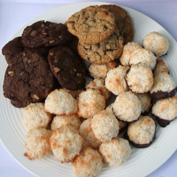 Gluten Free Macroons, Oatmeal Chocolate Chip Cookies and Chocolate chunk cookies